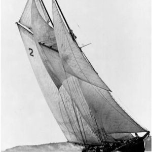 Bluenose in her first racing series, 1921 (copyright Knickles Studio)